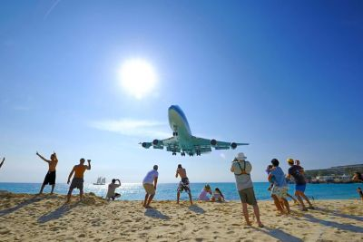 Extreme Plane-Spotting at Maho Beach